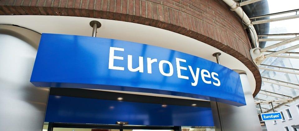 EuroEyes Eingangsschild