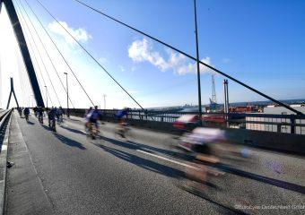 EuroEyes Cyclassics auf der Köhlbrandbrücke