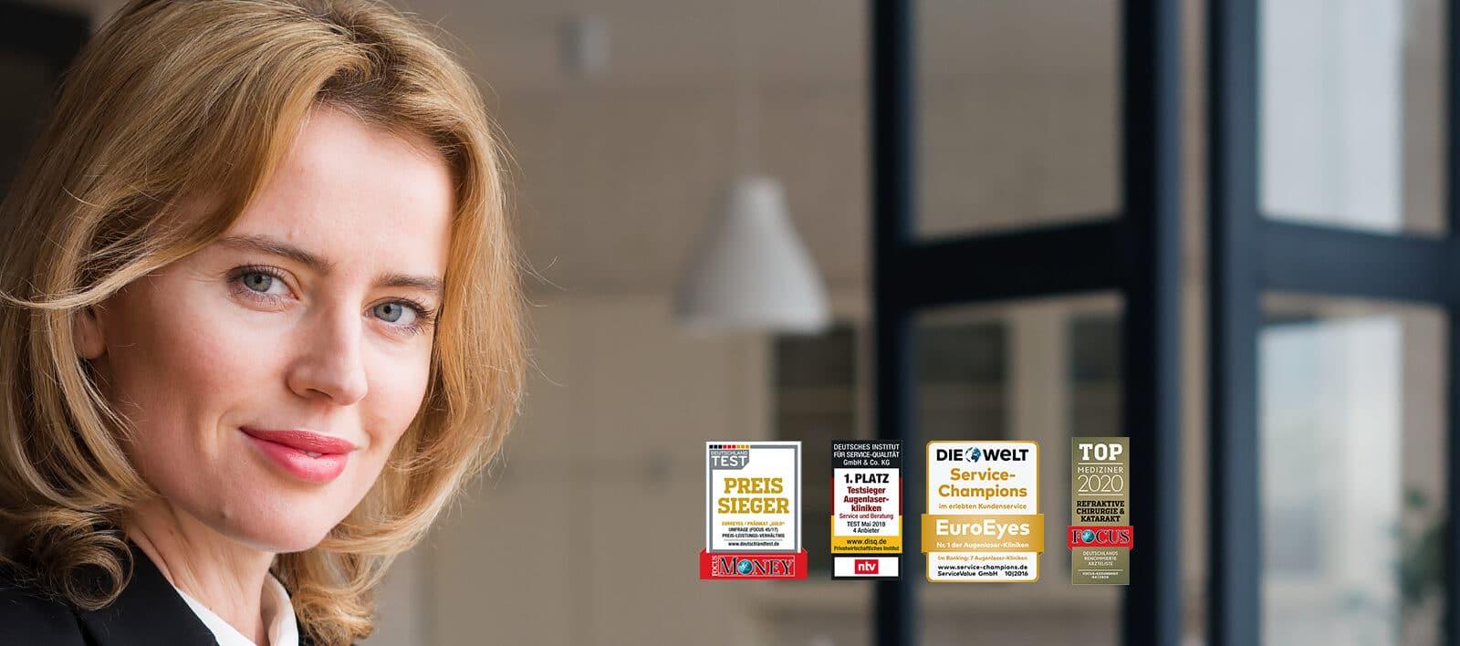 Frau Portrait mit Auszeichnungen