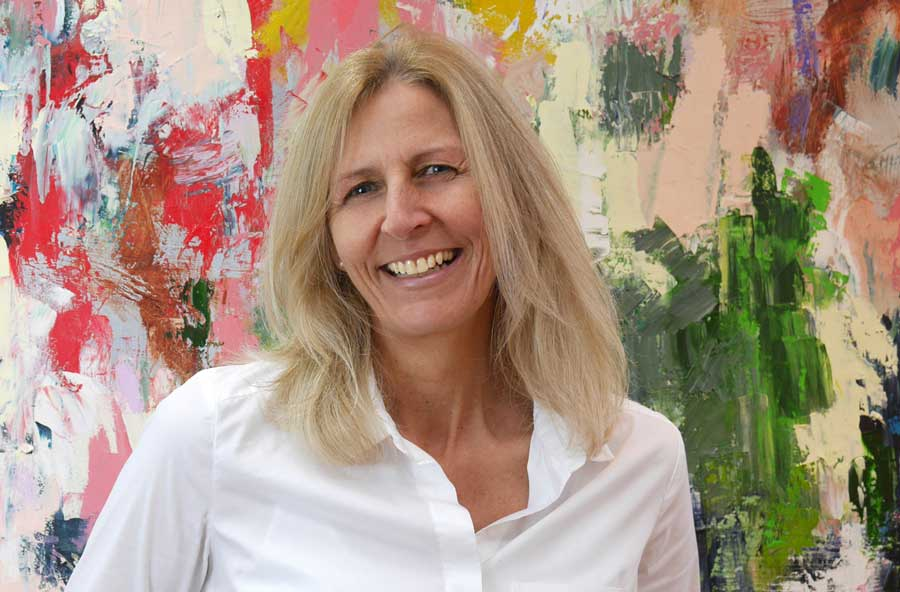 Claudia Hassel